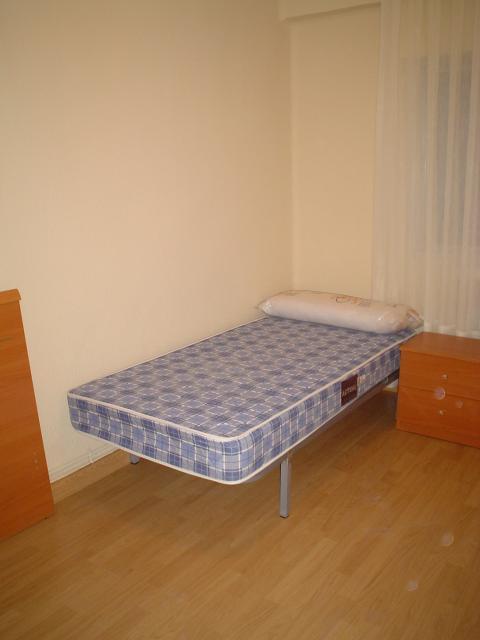 Piso en alquiler en calle Alfonso IX, Salamanca - 23306434