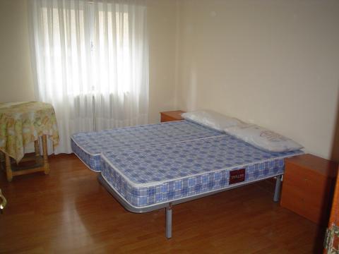 Piso en alquiler en calle Alfonso IX, Salamanca - 23306437