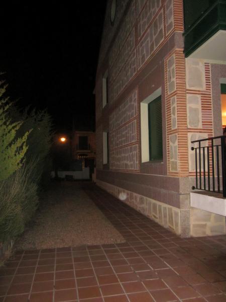 Chalet en alquiler en calle Señorio Gudino, Villamayor - 116508710