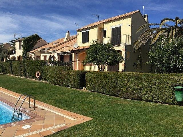 Casa adosada en alquiler opción compra en calle Les Oliveres, Estartit, l´ - 281084210