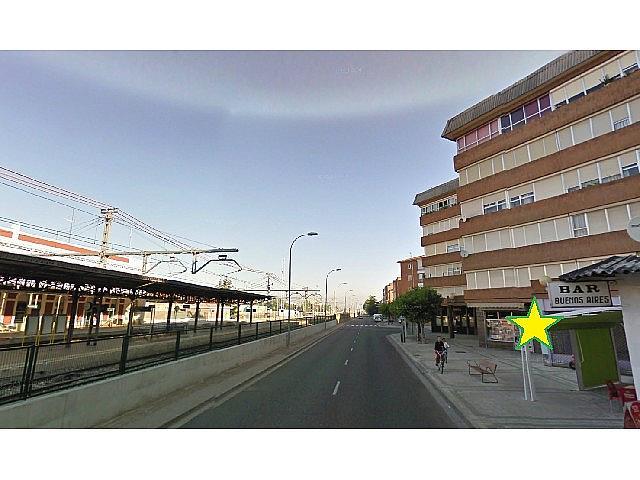 Foto 1 - Local en alquiler en calle Pa Victorio Macho, Eras del Bosque en Palencia - 240552111