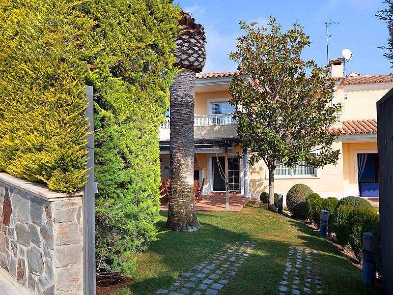24 - Casa en alquiler en Premià de Dalt - 326911163