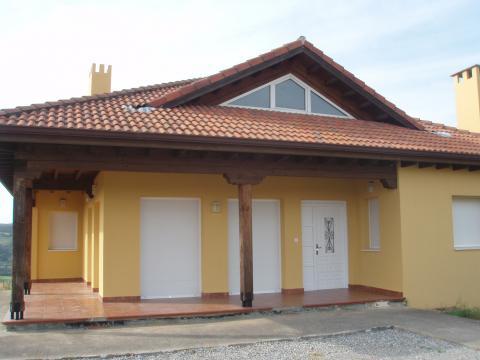 Fachada - Chalet en alquiler en carretera Riosapero, Villaescusa - 32974432
