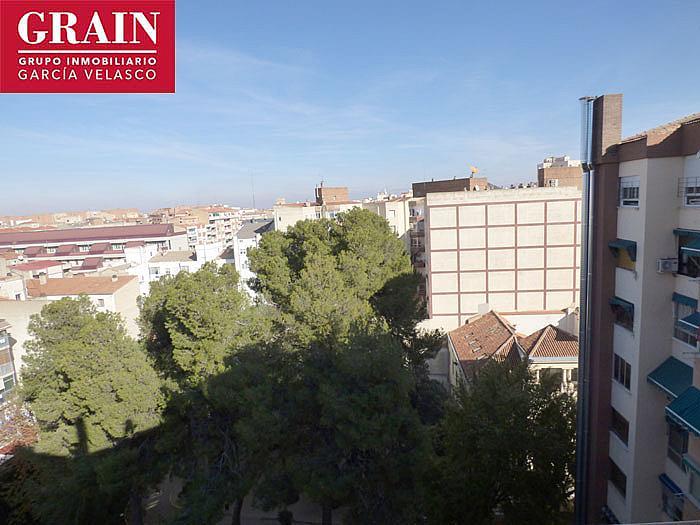 Ático en alquiler en plaza Gabriel Lodares, Centro en Albacete - 352193468