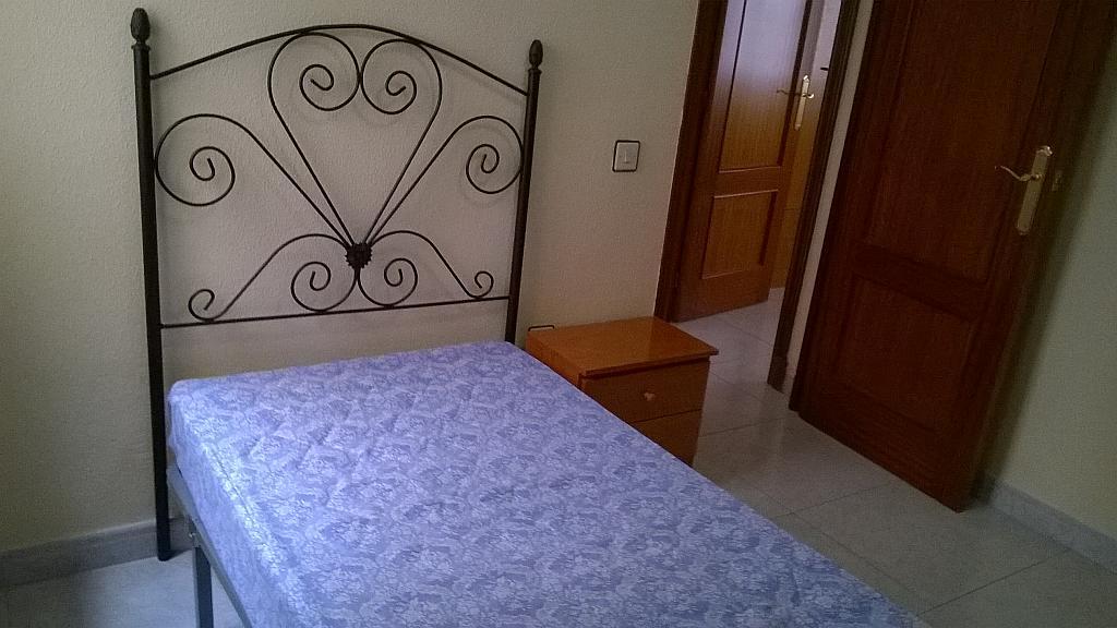 Dormitorio - Piso en alquiler en calle Arco de la Alameda, San Ildefonso en Jaén - 255193633