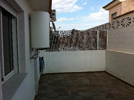 Casa adosada en alquiler en calle Omet, Picassent - 297578613