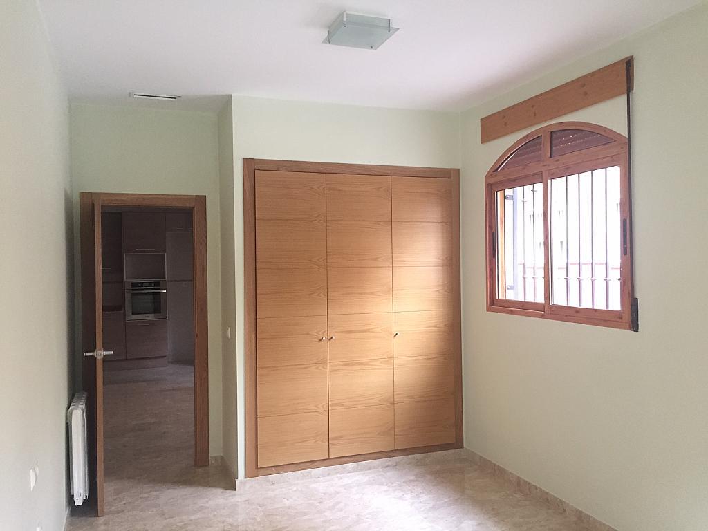 Piso en alquiler en calle Centrica, Benetússer - 323960933