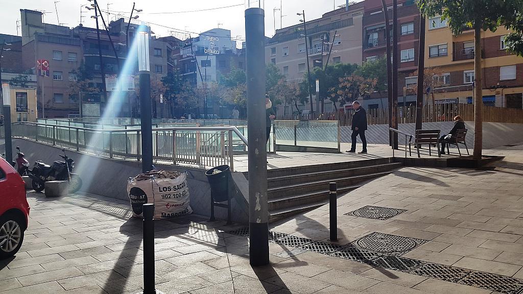 Local comercial en alquiler en plaza Pastrana, El Carmel en Barcelona - 232787368