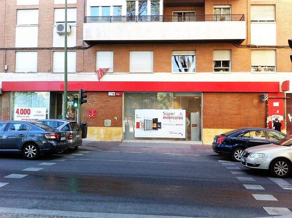 Local comercial en alquiler en calle Glorieta Puente de Segovia, Puerta del Ángel en Madrid - 359359617