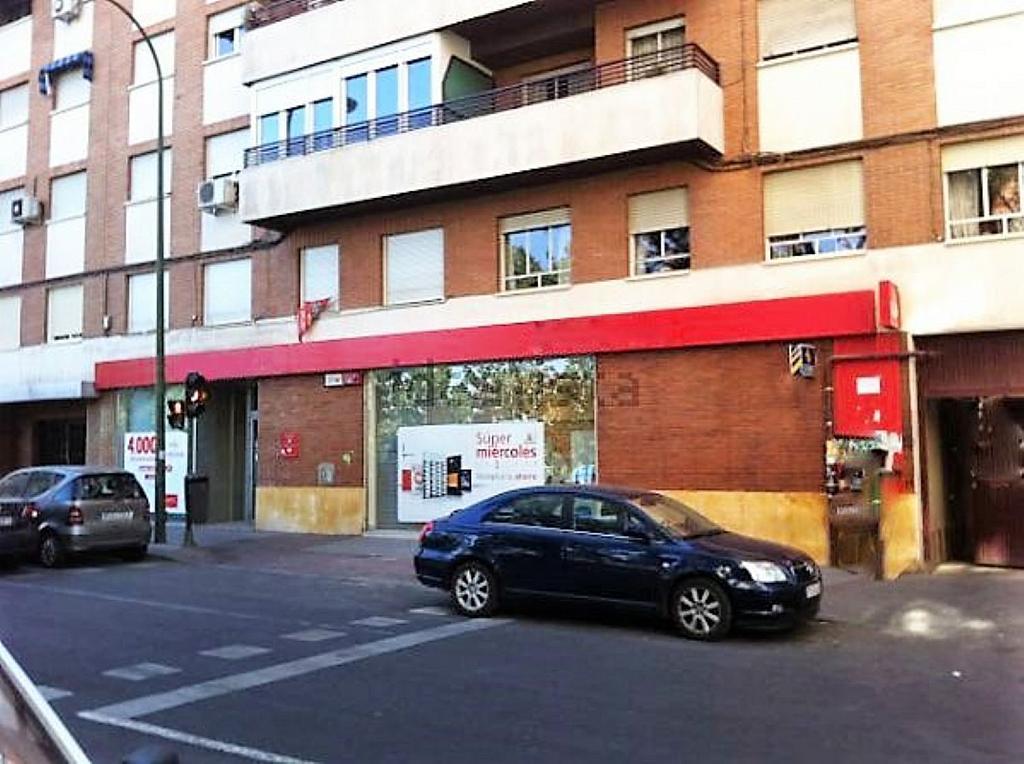 Local comercial en alquiler en calle Glorieta Puente de Segovia, Puerta del Ángel en Madrid - 359359620