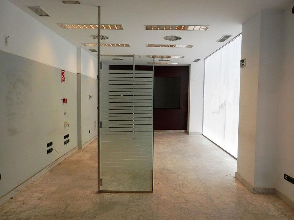 Local comercial en alquiler en calle Glorieta Puente de Segovia, Puerta del Ángel en Madrid - 359359626