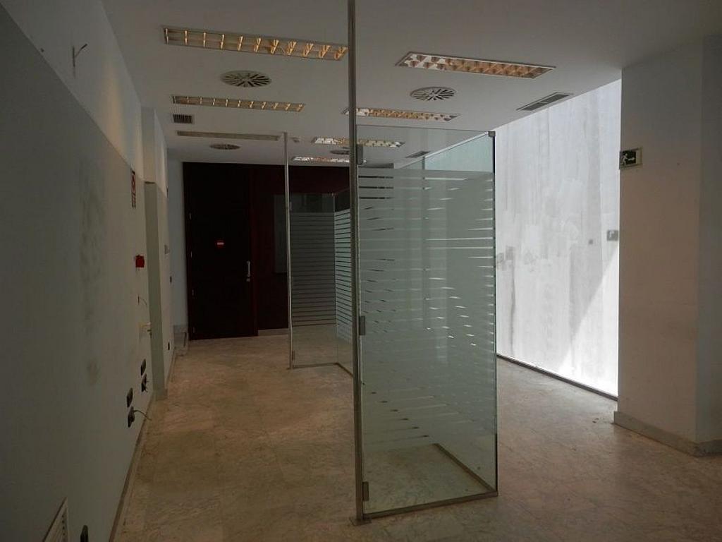 Local comercial en alquiler en calle Glorieta Puente de Segovia, Puerta del Ángel en Madrid - 359359635