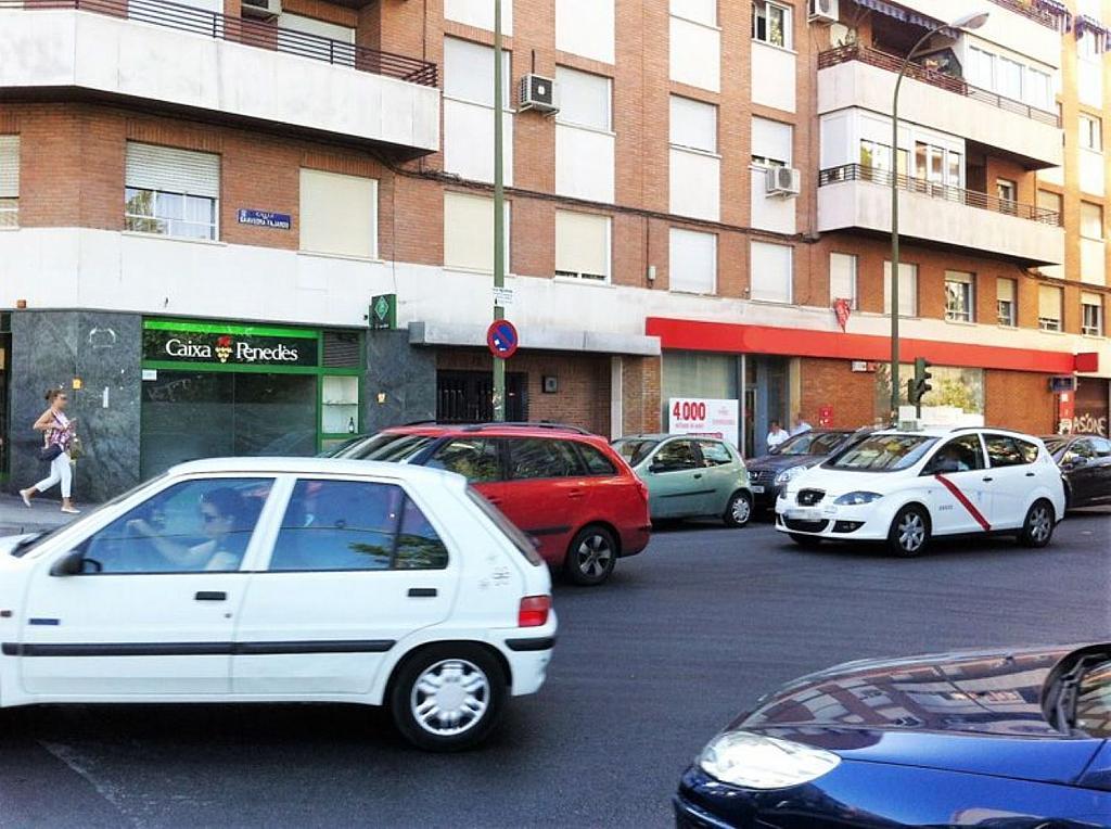 Local comercial en alquiler en calle Glorieta Puente de Segovia, Puerta del Ángel en Madrid - 359359668