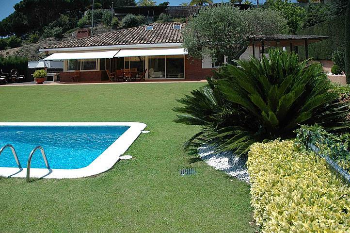 Casa en alquiler en Sant Andreu de Llavaneres - 303457123