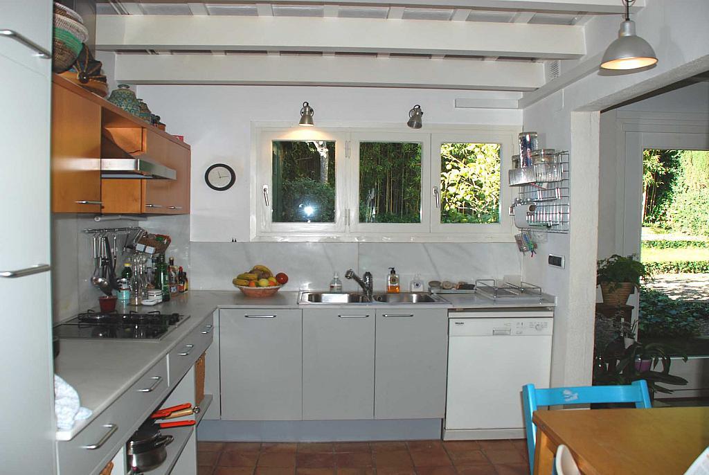 Casa en alquiler en Tiana - 208906626