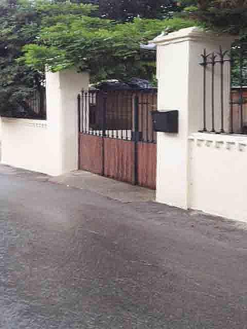 Casa en alquiler en Tiana - 208906633