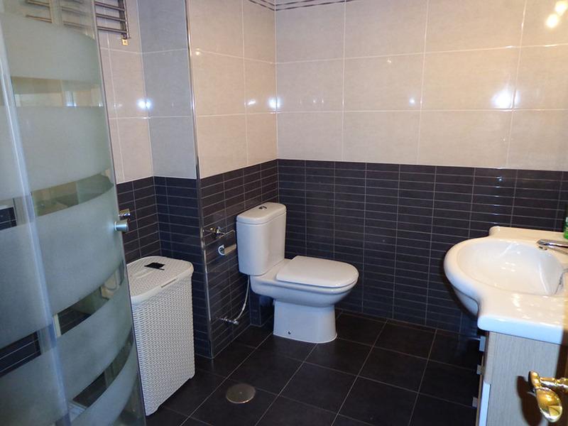 Baño - Estudio en alquiler en calle Sacedón, Villaviciosa de Odón - 119755172
