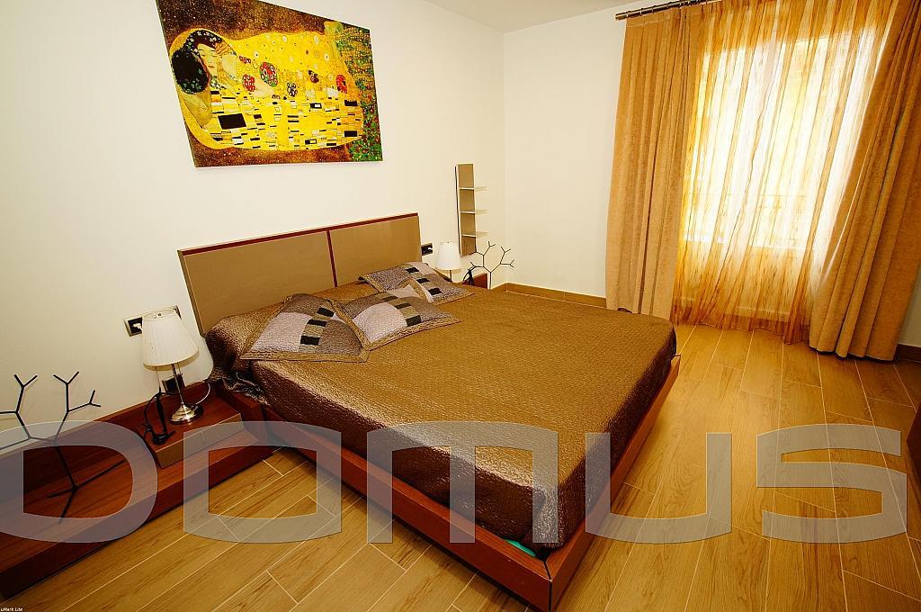 Dormitorio - Piso en alquiler en Born-Santa Caterina-Sant Pere-La Ribera en Barcelona - 327367437