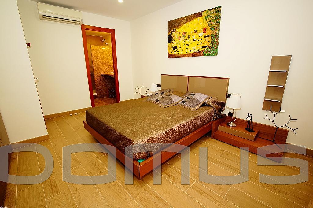 Dormitorio - Piso en alquiler en Born-Santa Caterina-Sant Pere-La Ribera en Barcelona - 327367441