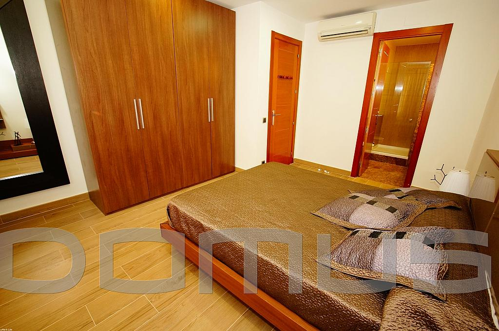 Dormitorio - Piso en alquiler en Born-Santa Caterina-Sant Pere-La Ribera en Barcelona - 327367443