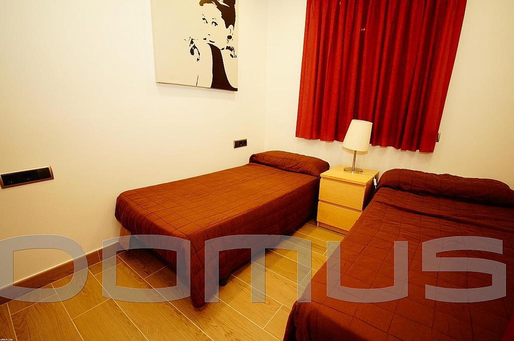 Dormitorio - Piso en alquiler en Born-Santa Caterina-Sant Pere-La Ribera en Barcelona - 327367454