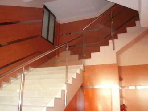 Vestíbulo - Oficina en alquiler en calle Beat Oriol, Montcada i Reixac - 28118075
