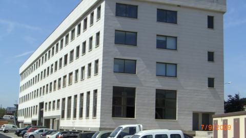 Fachada - Oficina en alquiler en calle Beat Oriol, Montcada i Reixac - 28118097