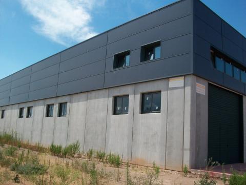 Fachada - Nave industrial en alquiler en calle Rec del Molinar, Montmeló - 28275953
