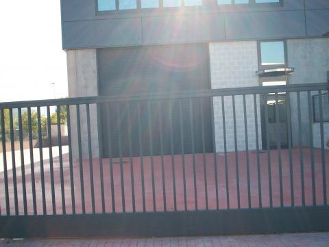 Patio - Nave industrial en alquiler en calle Rec del Molinar, Montmeló - 28275998