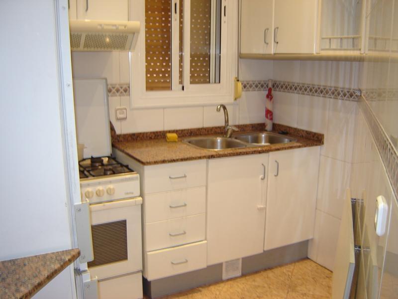 Cocina - Piso en alquiler en calle Catalunya, Centro en Sant Adrià de Besos - 80428580