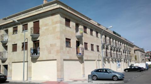 Fachada - Piso en alquiler en calle Girasoles, Villares de la Reina - 42857570