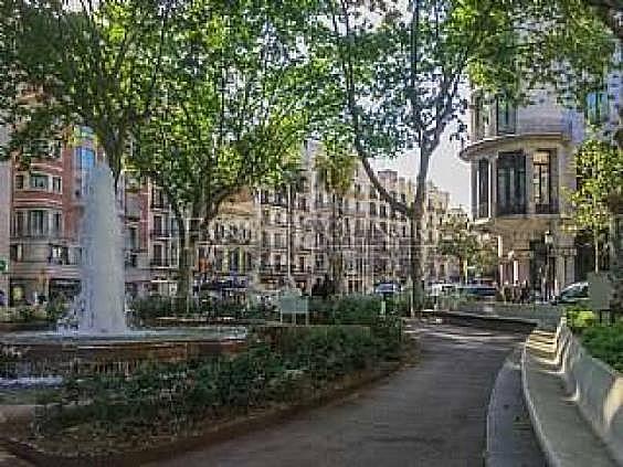 Apartamento en venta en El Raval en Barcelona - 320589455