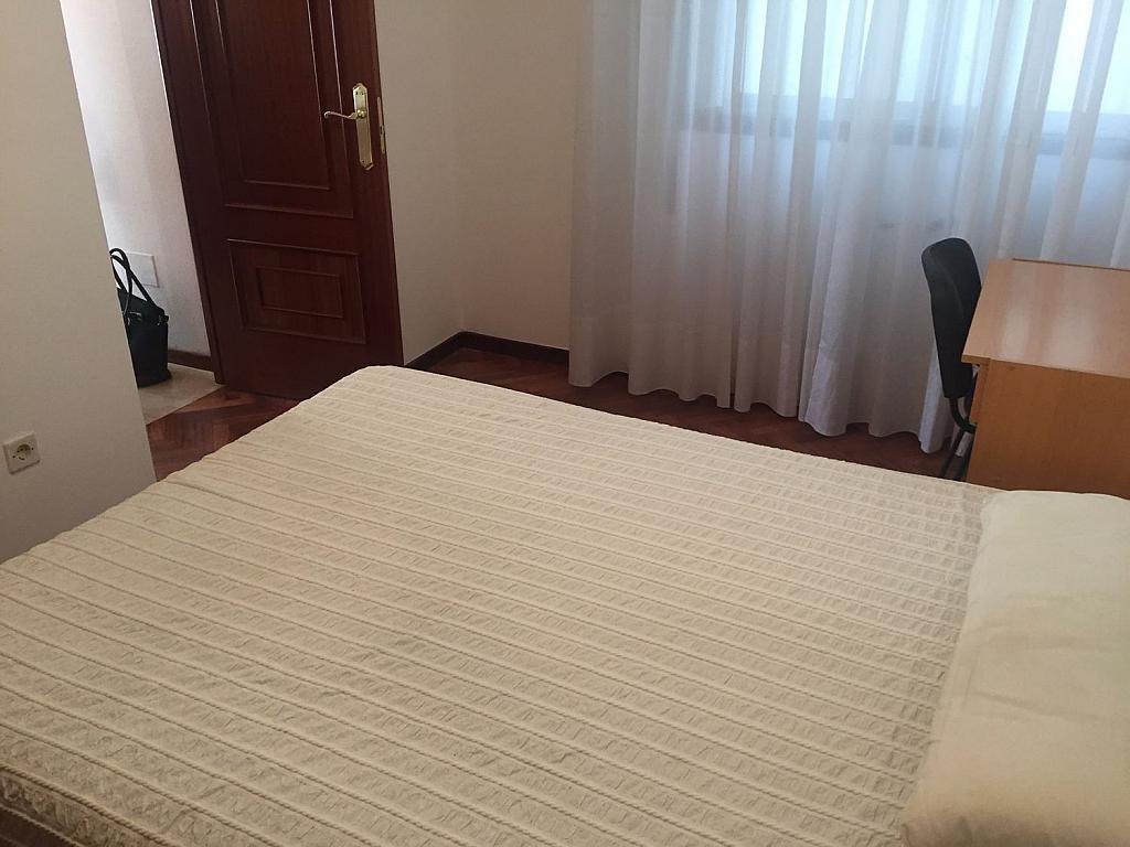 Piso en alquiler en Santiago de Compostela - 324820382