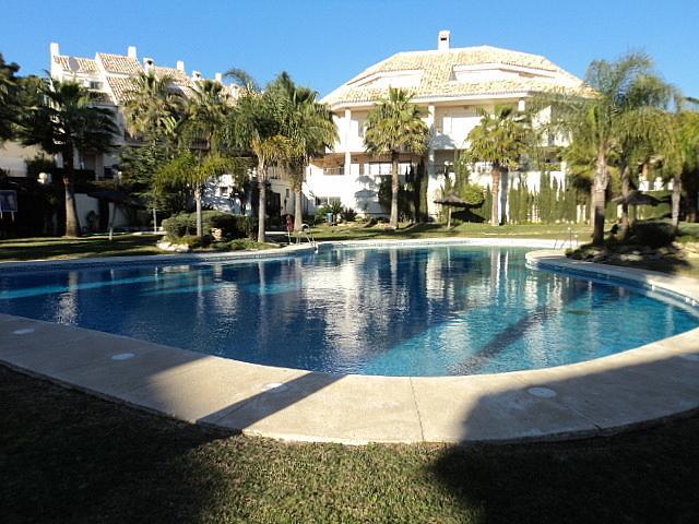Casa pareada en alquiler de temporada en Urbanizaciones en Marbella - 210303900