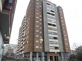 Fachada - Local en alquiler en calle Duquesa Villahermosa, Miralbueno – Bombarda en Zaragoza - 121093097
