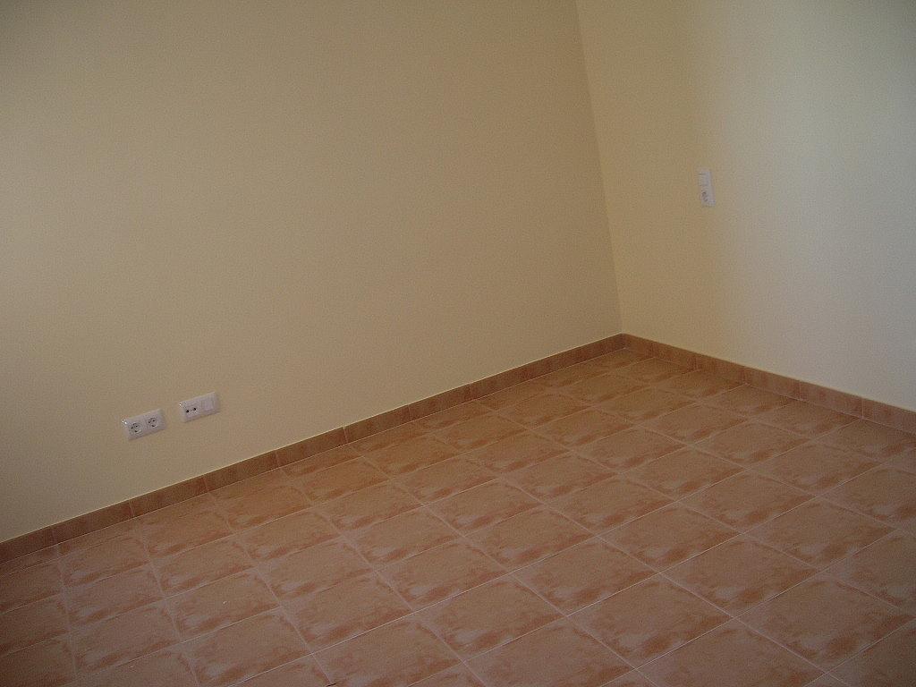 Salón - Piso en alquiler en calle De Laestacion, Yuncler - 299274107