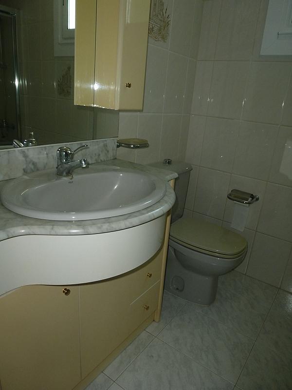 Piso en alquiler en calle Doctor Lago Olano, Calvario-Santa Rita-Casablanca en Vigo - 317595846