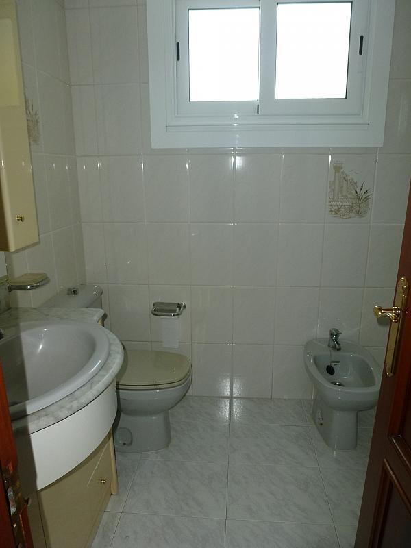Piso en alquiler en calle Doctor Lago Olano, Calvario-Santa Rita-Casablanca en Vigo - 317595869