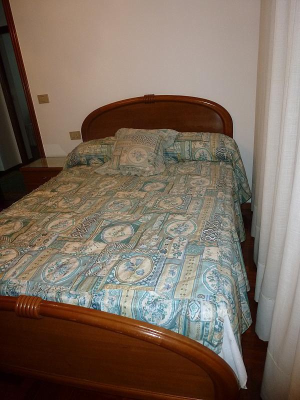 Piso en alquiler en calle Doctor Lago Olano, Calvario-Santa Rita-Casablanca en Vigo - 317595880