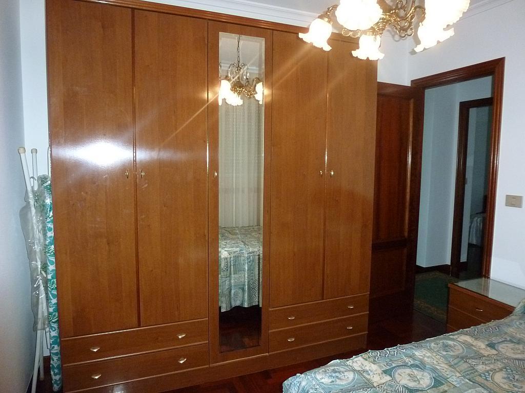 Piso en alquiler en calle Doctor Lago Olano, Calvario-Santa Rita-Casablanca en Vigo - 317595882