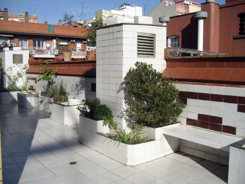 Piso en alquiler en calle Llorens I Barba, El Baix Guinardó en Barcelona - 107707382