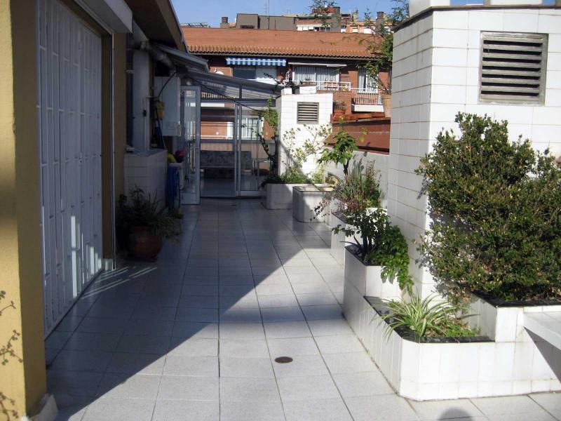 Piso en alquiler en calle Llorens I Barba, El Baix Guinardó en Barcelona - 107707383