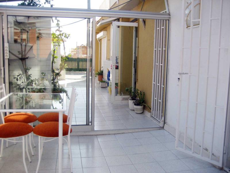 Piso en alquiler en calle Llorens I Barba, El Baix Guinardó en Barcelona - 107707394