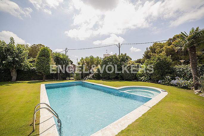 Casa en alquiler en Terramar en Sitges - 272268073