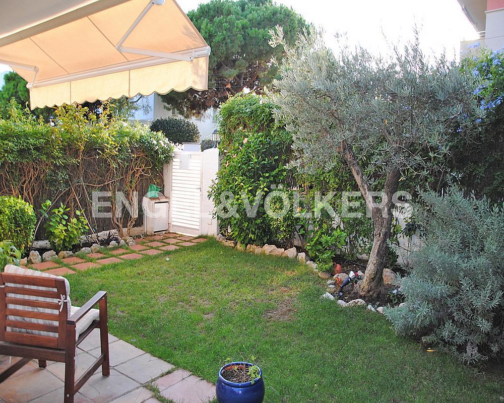 Casa adosada en alquiler en Vinyet en Sitges - 328073603