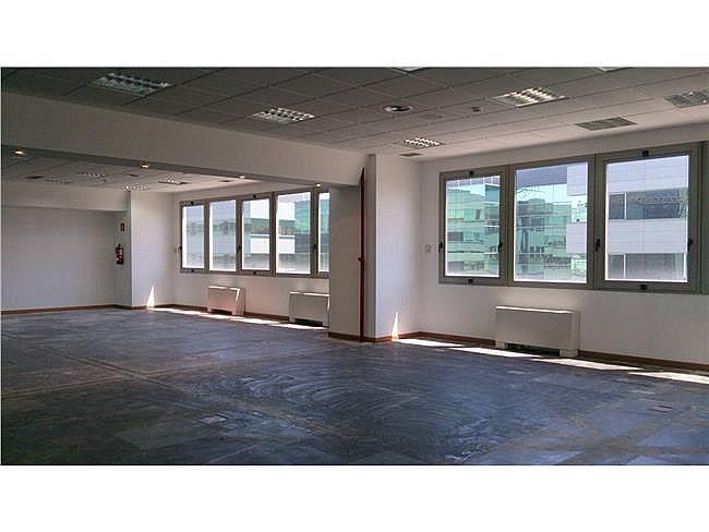 Oficina en alquiler en calle De Asturias, Tetuán en Madrid - 323345400