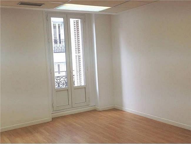 Oficina en alquiler en calle Bárbara de Braganza, Centro en Madrid - 330353906