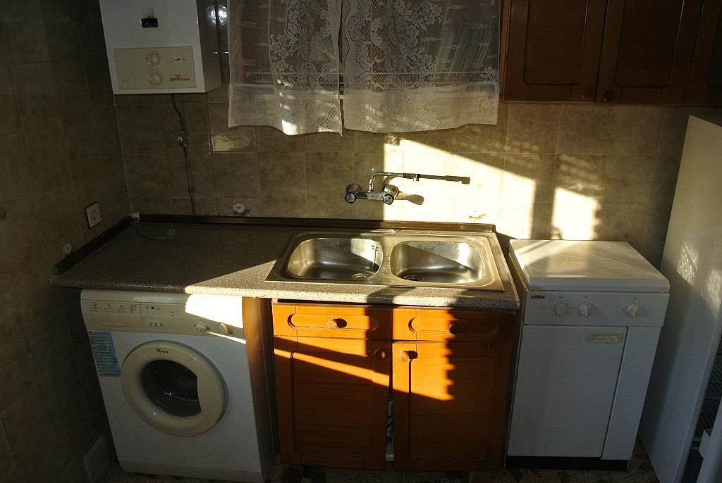 Piso en alquiler en calle Berrocales, Navalmoral - 281924863