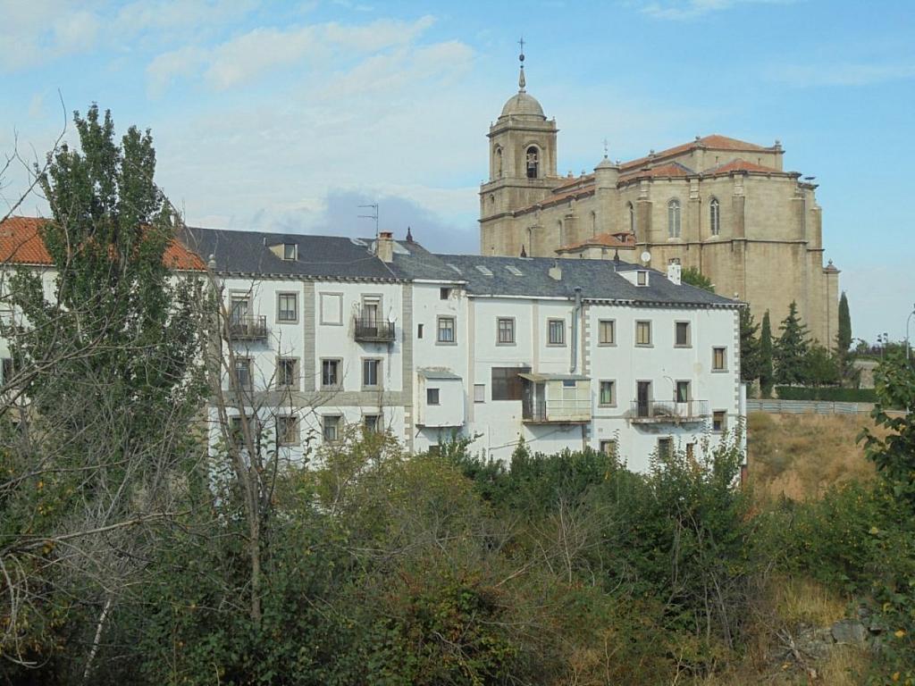Hotel en alquiler en carretera Nacional VI, Villacastín - 237689293