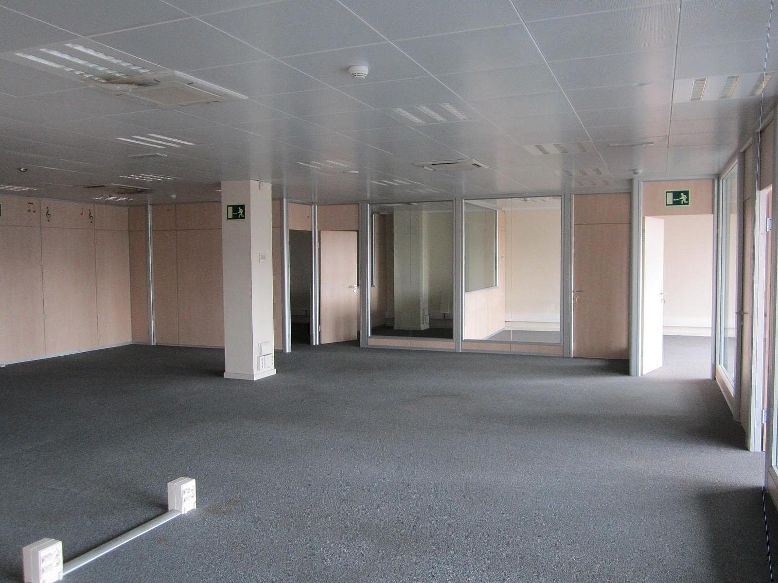 Oficina en alquiler en Eixample dreta en Barcelona - 320643033